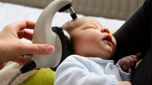 Surdité de l'enfant : l'importance du dépistage
