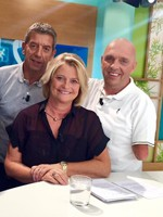 Marina Carrère d'Encausse, Michel Cymes et Philippe Croizon. Crédit : Magazine de la santé