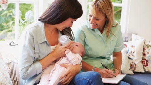 Sortie de maternité : se faire accompagner à domicile