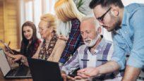 Ces bénévoles qui luttent contre la fracture numérique