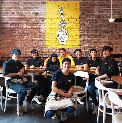L'équipe du café Joyeux
