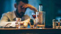 « L'alcool est la plus dangereuse des drogues » pour le Pr Michel Reynaud, addictologue