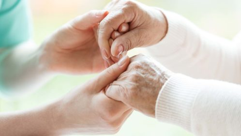 Recherche Alzheimer : un casque de neurostimulation testé à Montpellier