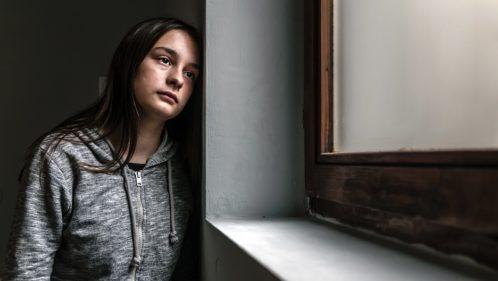 Troubles psychiatriques : la prise en charge des ados en question ?