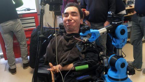 Handicap : comment un FabLab a révélé les talents de Nicolas Pousset