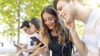 Cinq conseils pour limiter les risques auditifs chez les jeunes