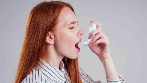 Covid-19 : les asthmatiques doivent absolument poursuivre leur traitement de corticoïdes