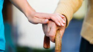 dépression personnes âgées main